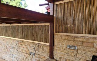גדר מעץ ובמבוק